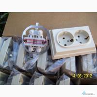 Двухместная розетка с заземлением Siemens 5UB202