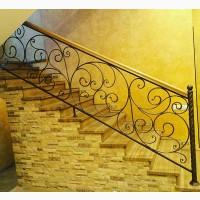 Перила лестницы металлические с деревом
