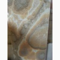 Оникс - один из немногих минералов который обладает светопропускной способностью
