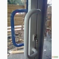 Алюминиевые двери с замком. Поворотные и раздвижные двери с покраской. Входные двери